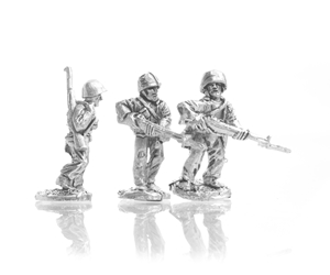 MRN Riflemen advancing